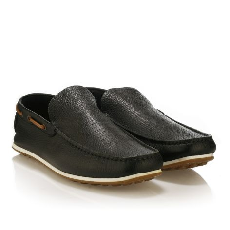 Leather loafers by Urbanfly   Black